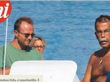 Pm e cronisti, ecco la struttura Alfa in vacanza<br /> Il giornalista di Santoro e Woodcock al mare