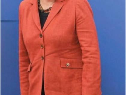Merkel sfida i sondaggi e si ricandida nel 2013