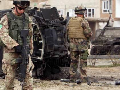 Bomba in Afghanistan, muore soldato italiano  I talebani uccidono uno dei fratelli di Karzai