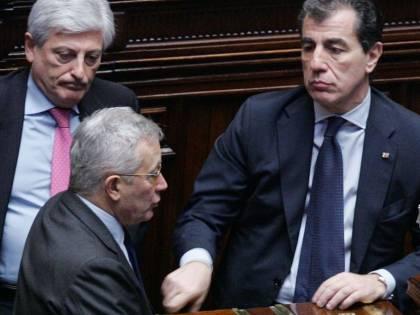 """Inchiesta P4, Milanese:  """"Aprite le mie cassette""""  Papa, Lega: sì all'arresto"""