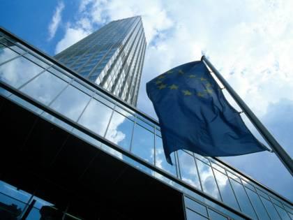 """Bruxelles promuove la manovra:  """"Adesso servono tempi rapidi"""""""