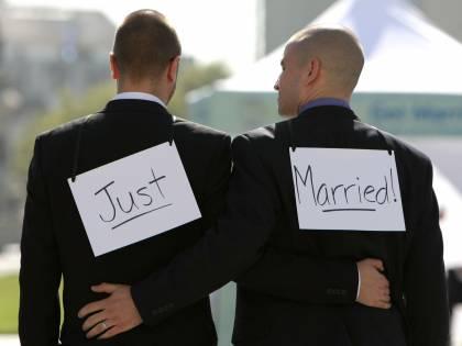 Ora il Pd lancia il censimento delle coppie gay:<br /> &quot;Riconosciamo i loro diritti come per gli ebrei&quot;