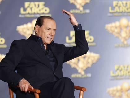 Berlusconi: &quot;Non temo le inchieste<br /> Abbiamo 18 mesi per le riforme&quot;