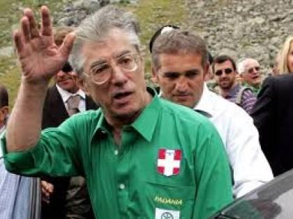 """Bossi: """"L'Italia va a picco  e il 2013 è troppo lontano  Prepariamo la Padania"""""""