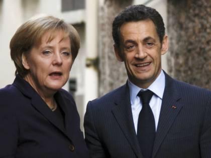 Il sorriso alla domanda su Berlusconi? Ora Merkel e Sarkò smentiscono: un equivoco