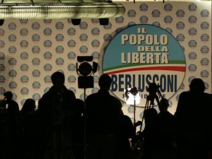 """Il popolo Pdl contro Monti: """"Andiamo alle elezioni"""""""