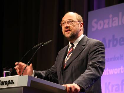 """L'Europa e l'Ocse con Letta Schulz al Pd: """"Votate fiducia"""""""
