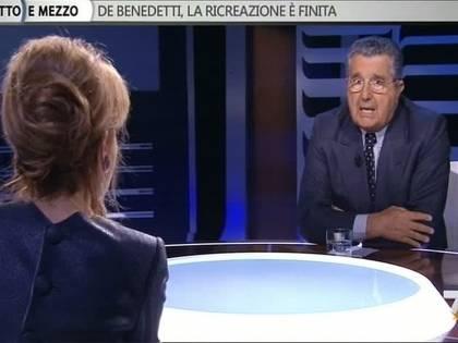 """De Benedetti fa lo gnorri: """"Io? Non sono nemico del Cav"""" E poi lancia la patrimoniale"""