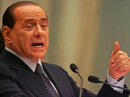 """Berlusconi torna in aula per le foto a villa Certosa """"Violata la mia privacy"""""""