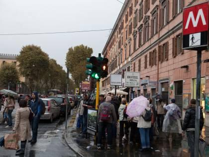 Violento nubifragio su Roma Allagamenti e traffico in tilt