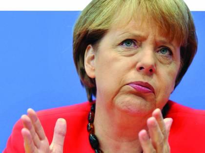 """""""È stata la Merkel a cacciare Berlusconi"""""""