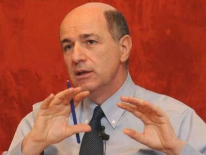"""Passera zittisce la Gabanelli: """"Nessun conflitto d'interessi Ho venduto già le mie azioni"""""""
