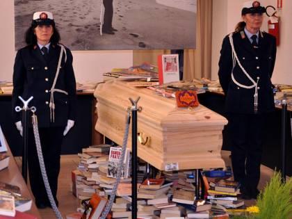 Bara, libri e buffet Funeral party per Carlo Fruttero