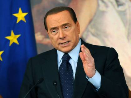 Mills, l'ira di Berlusconi:<br />sabato mi condanneranno<br />Il Paese è in mano ai giudici