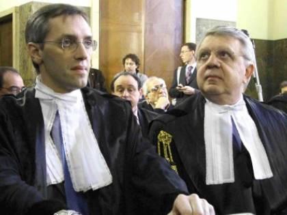 Mills, legali di Berlusconi svuotano lo studio: tre quintali di atti