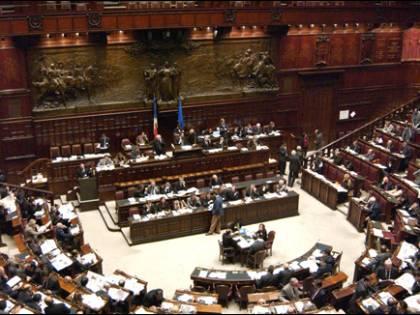 Benefit a ex presidenti Solo Casini rinuncia  Fini e Bertinotti no