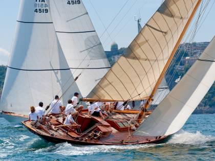 """Marina Yachting, binomio vincente nel """"Circuito"""" delle derive d'epoca"""