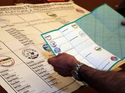 Scoppia il caos in Sicilia Errore nel conteggio dei voti Ma lo scrutinio è valido