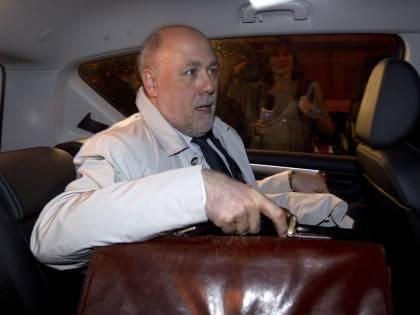 """L'ex tesoriere Lusi accusa: """"Soldi a Renzi e a Rutelli""""  Ma loro: """"Ladro svergognato"""""""