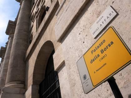 Grecia, la Ue sta pensando<br />a un piano di emergenza<br />Borse di nuovo in rosso