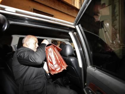 """Il Senato condanna Lusi: l'ex tesoriere va in carcere """"Ho ancora tanto da dire"""""""