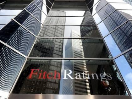 Fitch conferma il rating  e l'outlook resta stabile. Ma c'è una nera profezia