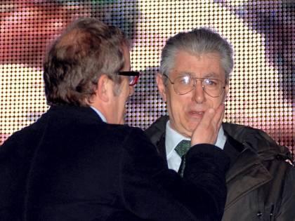 """Bossi attacca Maroni: """"Ha il culo largo per più poltrone"""""""