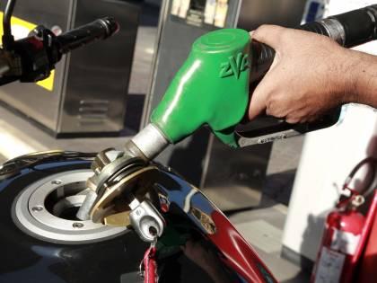 Sciopero benzinai Code ai distributori e traffico in tilt