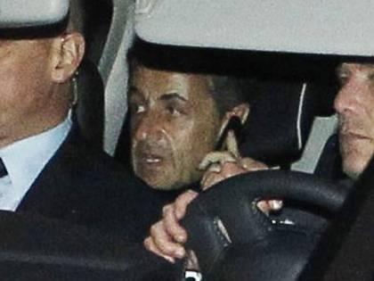 Sarkozy in tribunale, il suo partito nel caos