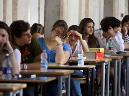L'esame di maturità ci costa quasi 200 milioni di euro e sono tutti promossi