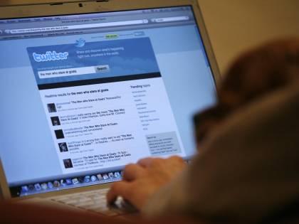 250mila account a rischio: Twitter sotto attacco hacker