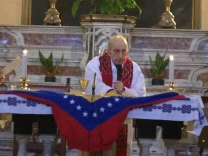 """Anche Don Gallo esalta Chavez: """"Fu un grande statista"""""""