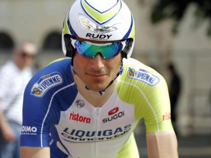 Giro, un ascesso ferma Basso