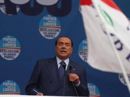 """Berlusconi smaschera il Pd: """"Vuole eliminare me e il M5S"""""""