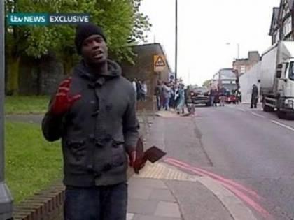 Soldato decapitato in strada «Terroristi con il machete»