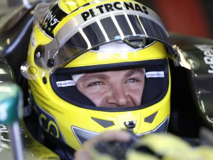 F1, il Gp di Montecarlo parte fra le polemiche. La Mercedes ha provato in secreto le gomme: 1000 km