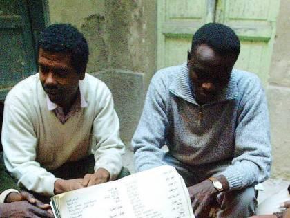 Vita da clandestini: «Pochi controlli, restare qui è facile»