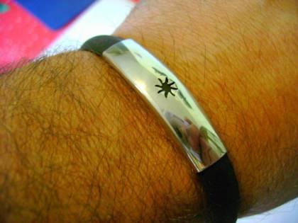 La moda cafona dei braccialetti