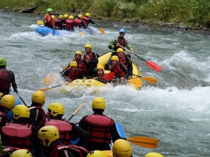 I giocatori della Roma si danno al rafting