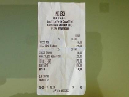 Sardegna, 4 succhi di frutta e un bicchiere di vino a 120 euro