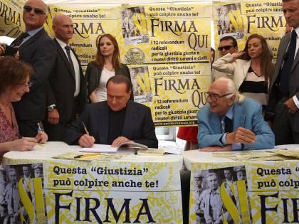 """Berlusconi: """"Il governo deve continuare"""""""