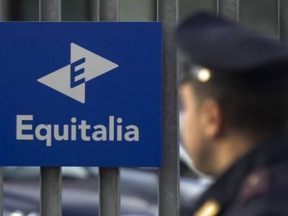 """Equitalia, dirigenti indagati per corruzione """"Debiti ridotti in cambio di soldi e favori"""""""