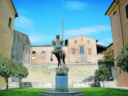 Liberty e arte contemporanea La Versilia è un capolavoro