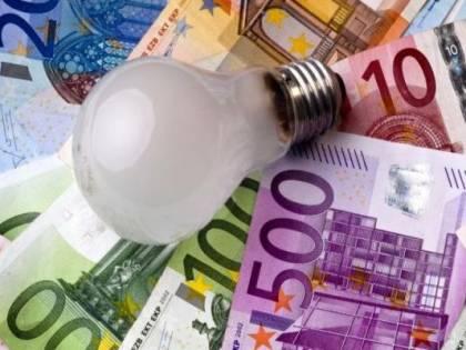 Bollette, tutta la verità sui costi: qui si nascondono tasse e balzelli