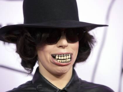 Sorriso da urlo per Lady Gaga