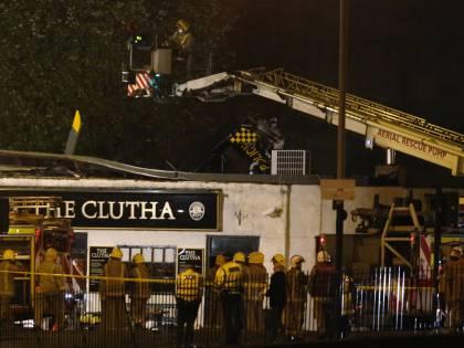 Un elicottero della polizia cade sul tetto di un pub di Glasgow