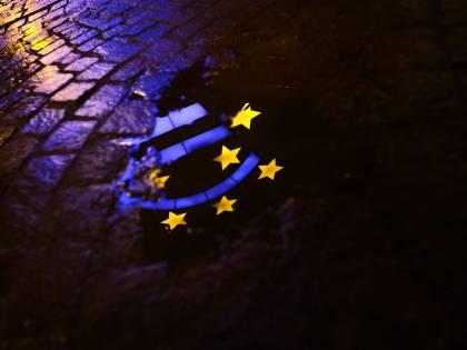 Quell'accordo tra Ue e Stati Uniti che limita la sovranità nazionale e dà potere alle multinazionali