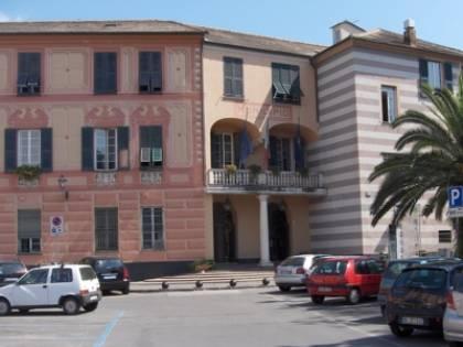 Cittadini contro Tares: occupato pacificamente il municipio di Rapallo