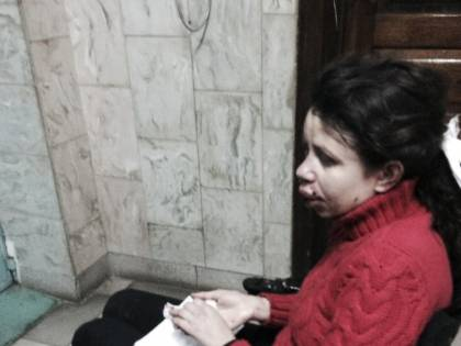 Kiev, giornalista pro-Ue picchiata selvaggiamente