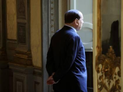 Berlusconi si dimette da Cavaliere